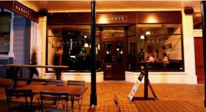 HARRYS-night-exterior